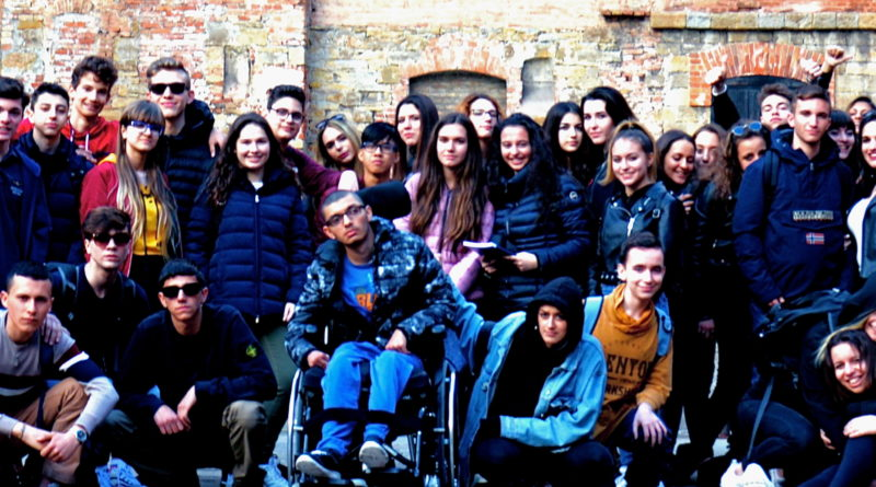 Liceo G. B. Vico di Milano (Corsico) ieri al gemellaggio informale con il Liceo Petrarca di Trieste alla Risiera di San Sabba-